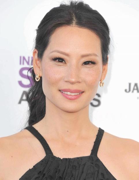 Les acteurs brillamment diplômés de l'Université : Lucy Liu