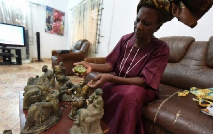 L'art du bronze de mère en fille à Benin City