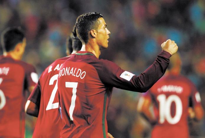 La Belgique et le Portugal déroulent