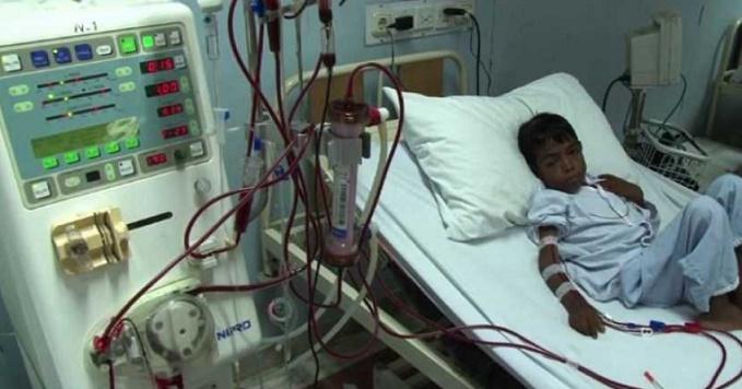 A Karachi, les greffes gratuites d'un médecin de l'espoir