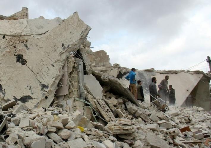 Violents combats et pluie de bombes sur Alep