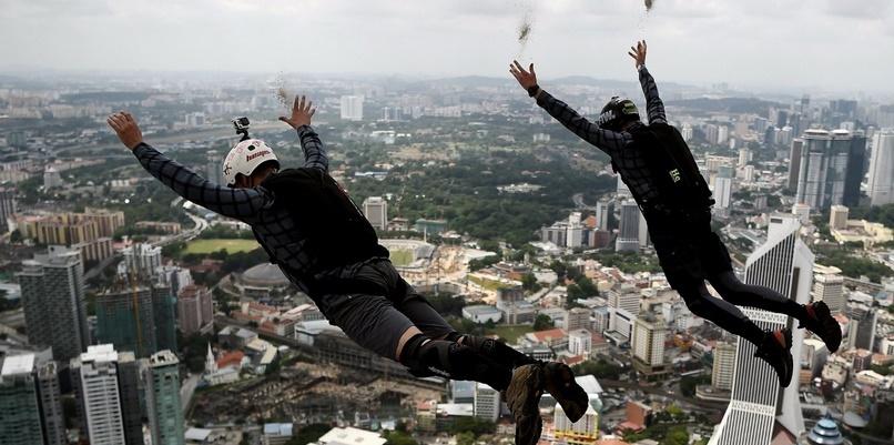 Insolite : Saut en parachute