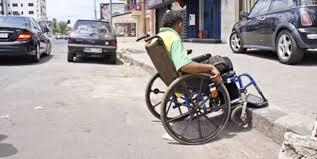 La campagne de sensibilisation à l'accessibilité des  personnes à besoins spécifiques fait escale à Al-Hoceima