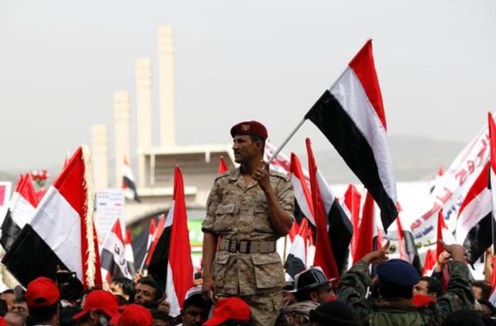 Le président yéménite accuse les rebelles de détruire toute chance de paix