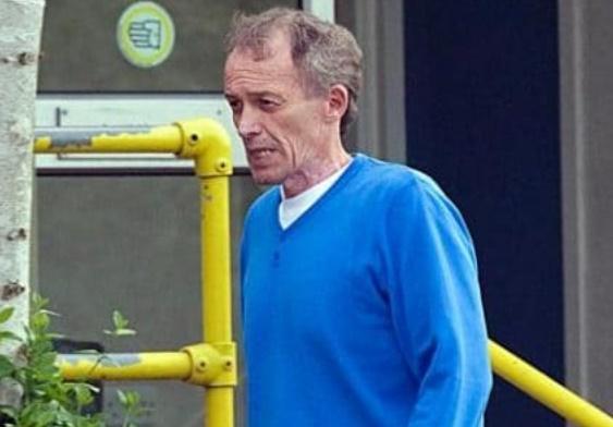 L'ex-entraîneur Bennell mis en examen pour agression sexuelle sur mineur