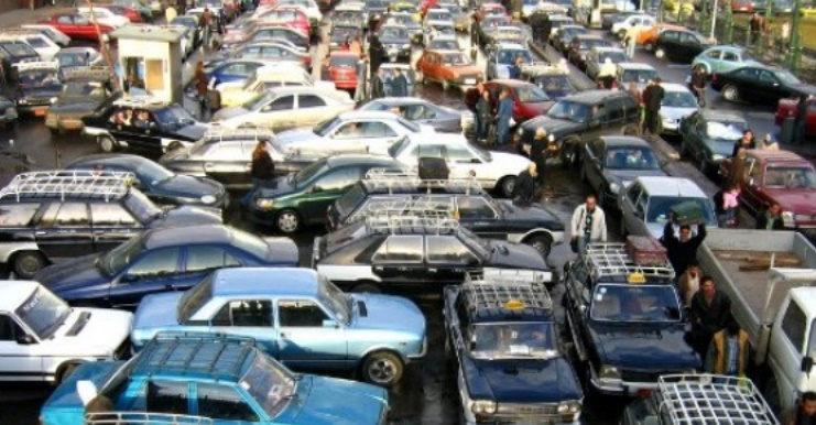 Survivre à l'enfer des embouteillages, un combat quotidien au Caire