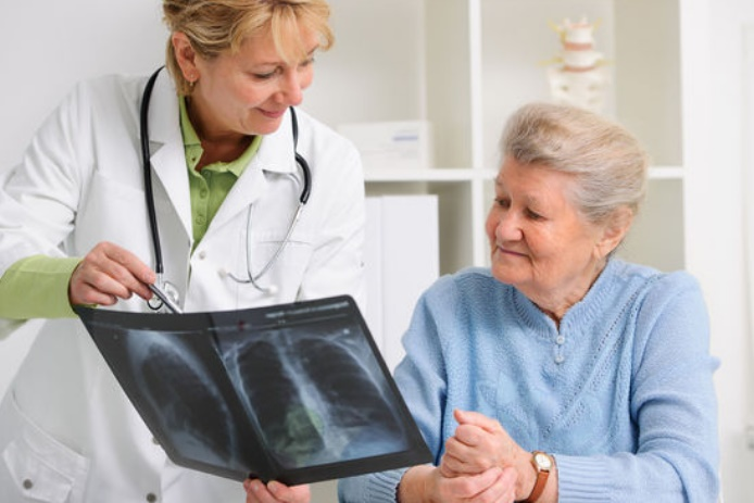 Etre traité par une femme médecin réduit le risque de mortalité