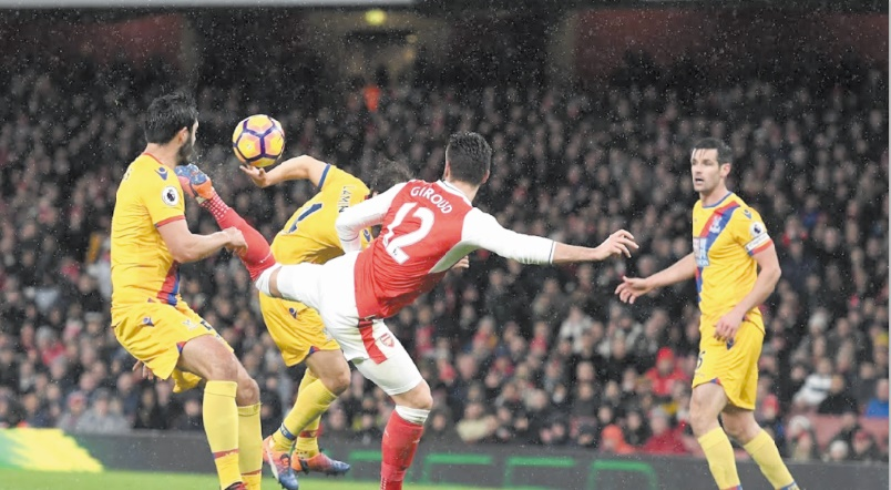 Arsenal s'accroche et City grand perdant