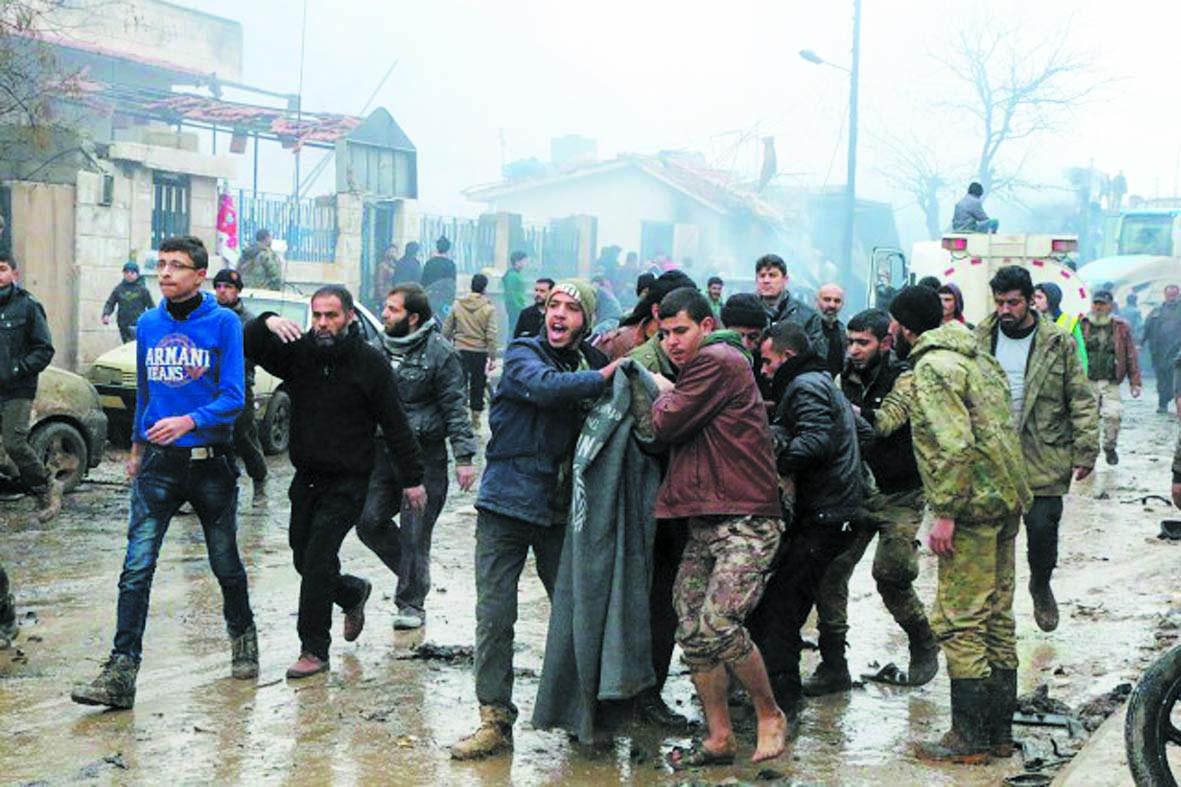 Un attentat sanglant et des combats près de Damas fragilisent la trêve