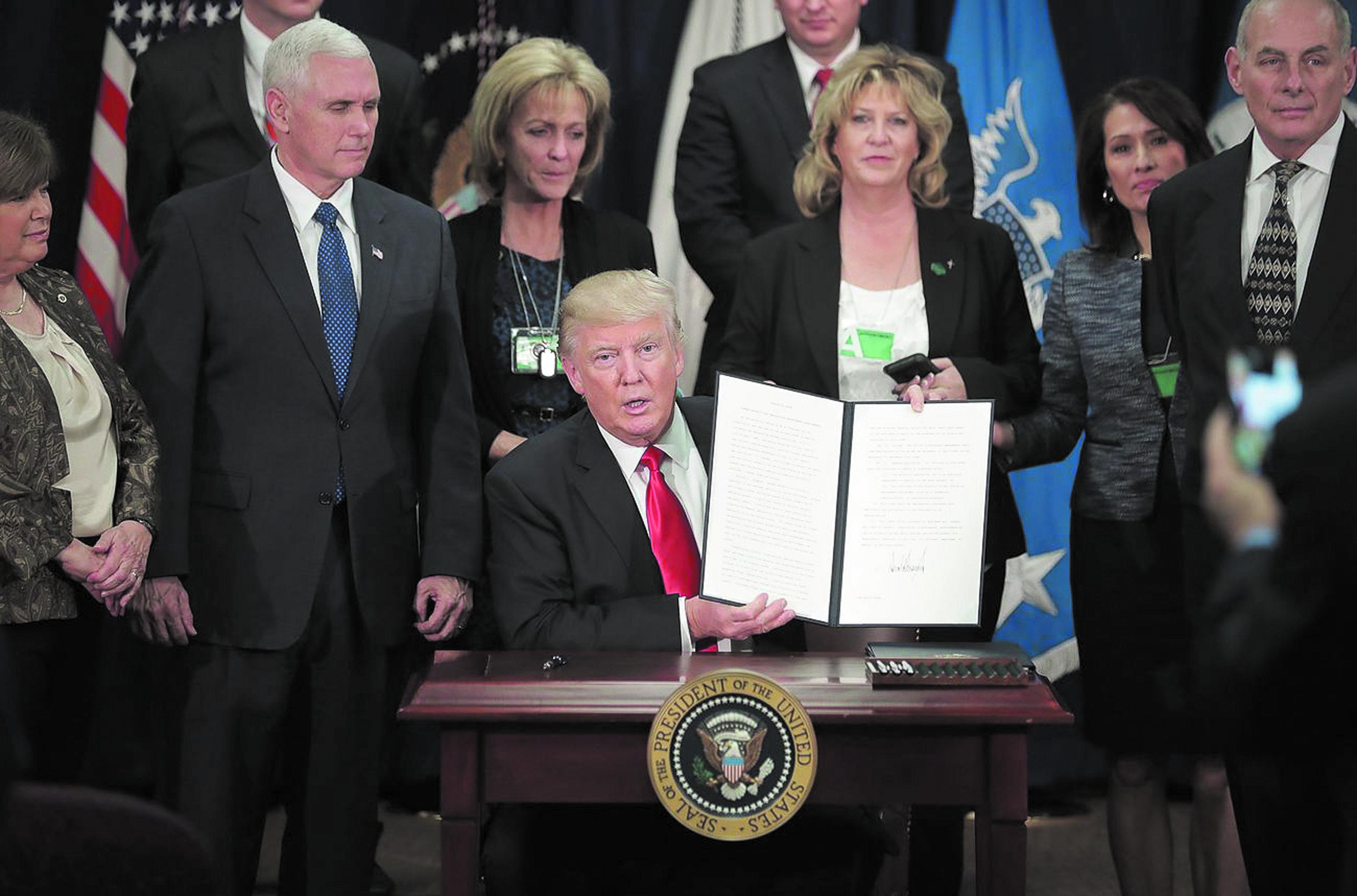 Rejet d'un recours contre le blocage du décret migratoire de Trump