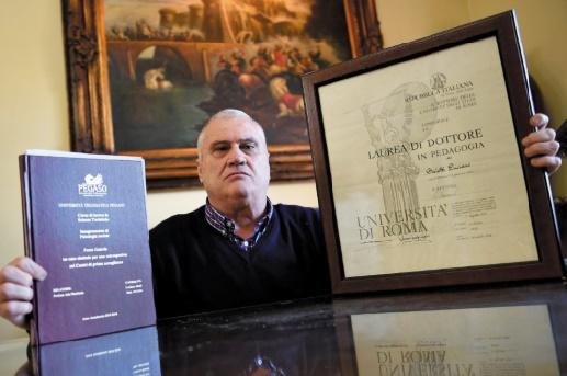 Luciano Baietti, un truculent Italien recordman du monde des diplômes