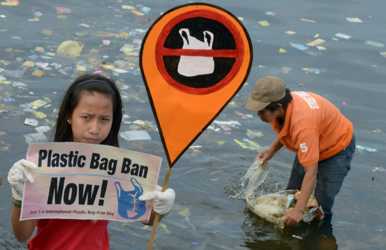 Les océans pollués par des particules invisibles de plastique