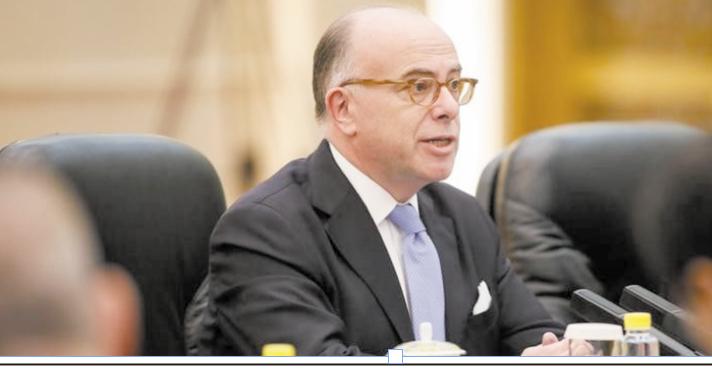 Cazeneuve et Fillon s'accusent mutuellement d'irresponsabilité