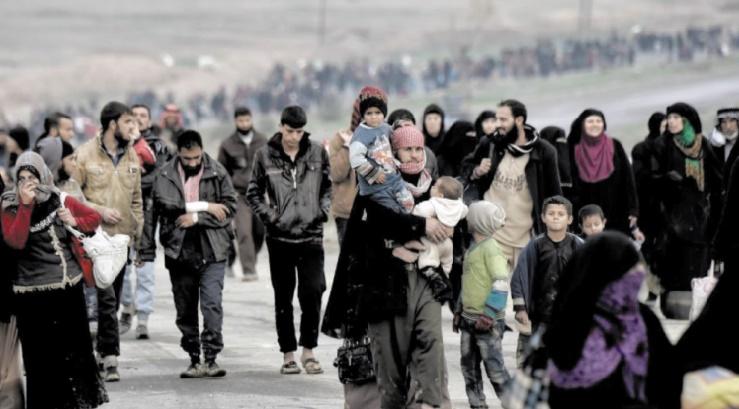 Les civils fuient en nombre les combats à Mossoul et en Syrie