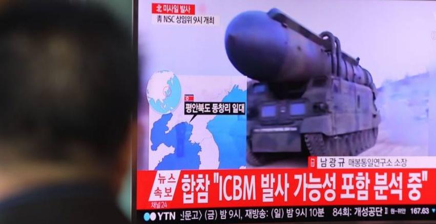 Pyongyang tire une salve de missiles
