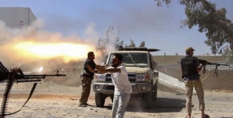 Troisième jour de combats à Tripoli : Une chaîne de télévision attaquée