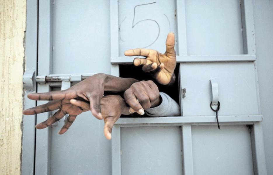 Démantèlement de plus de 400 réseaux de trafic d'êtres humains
