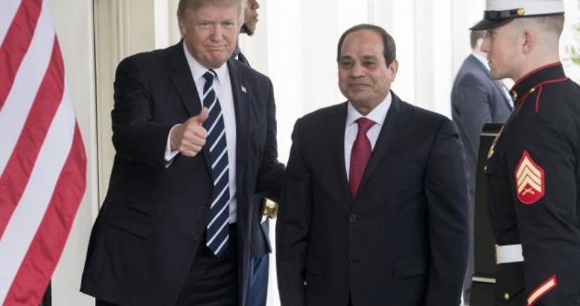 """Trump loue le """"travail fantastique"""" du président Sissi en Egypte"""