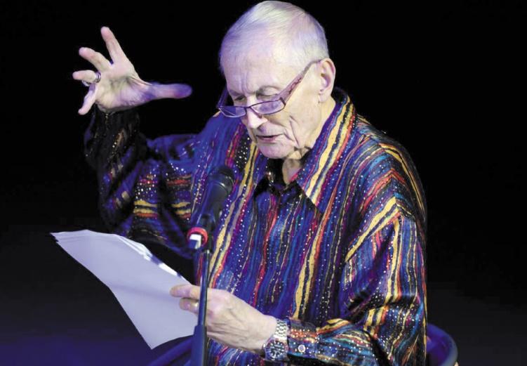 Evtouchenko, poète non conformiste et fidèle soutien du régime soviétique