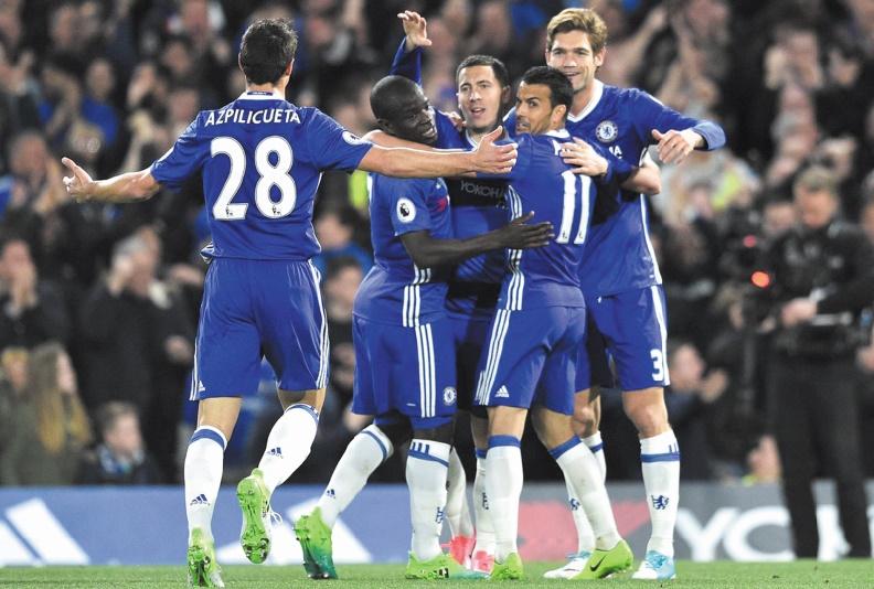 Chelsea trop fort, Liverpool craque
