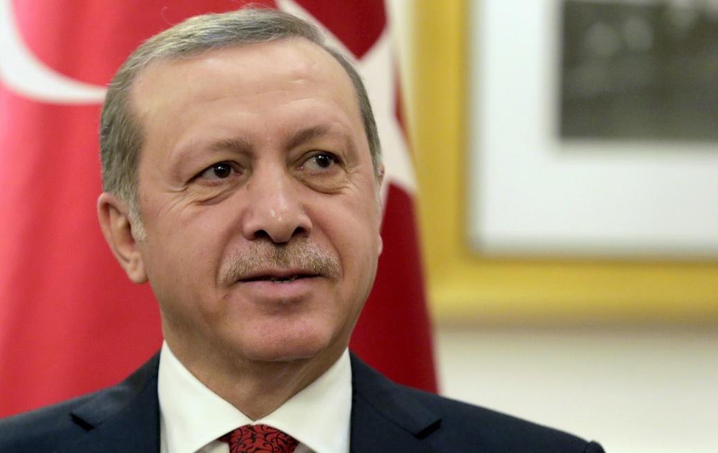 Erdogan rejette les critiques sur le référendum : Nouvelle prolongation de trois mois de l'état d'urgence en Turquie