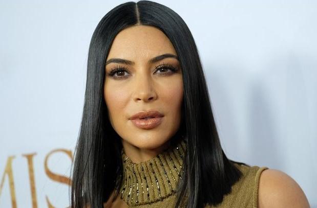 Jugée trop photoshopée, Kim Kardashian perd 100.000 fans sur les réseaux sociaux