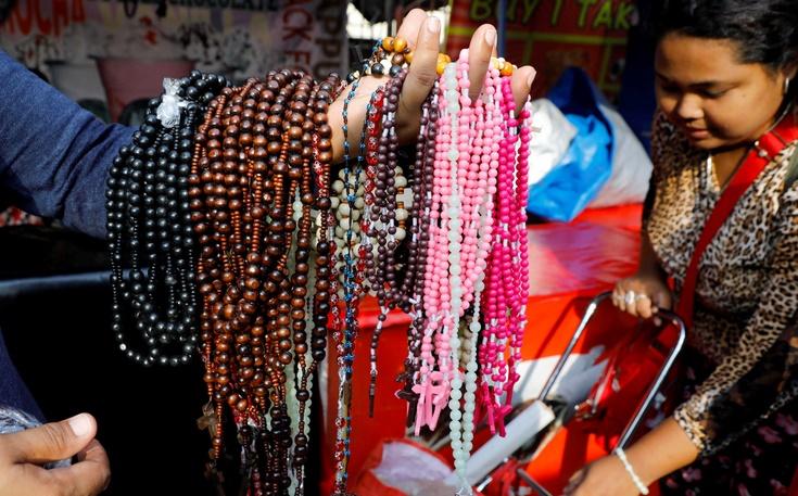 Insolite :  Privés de rosaires