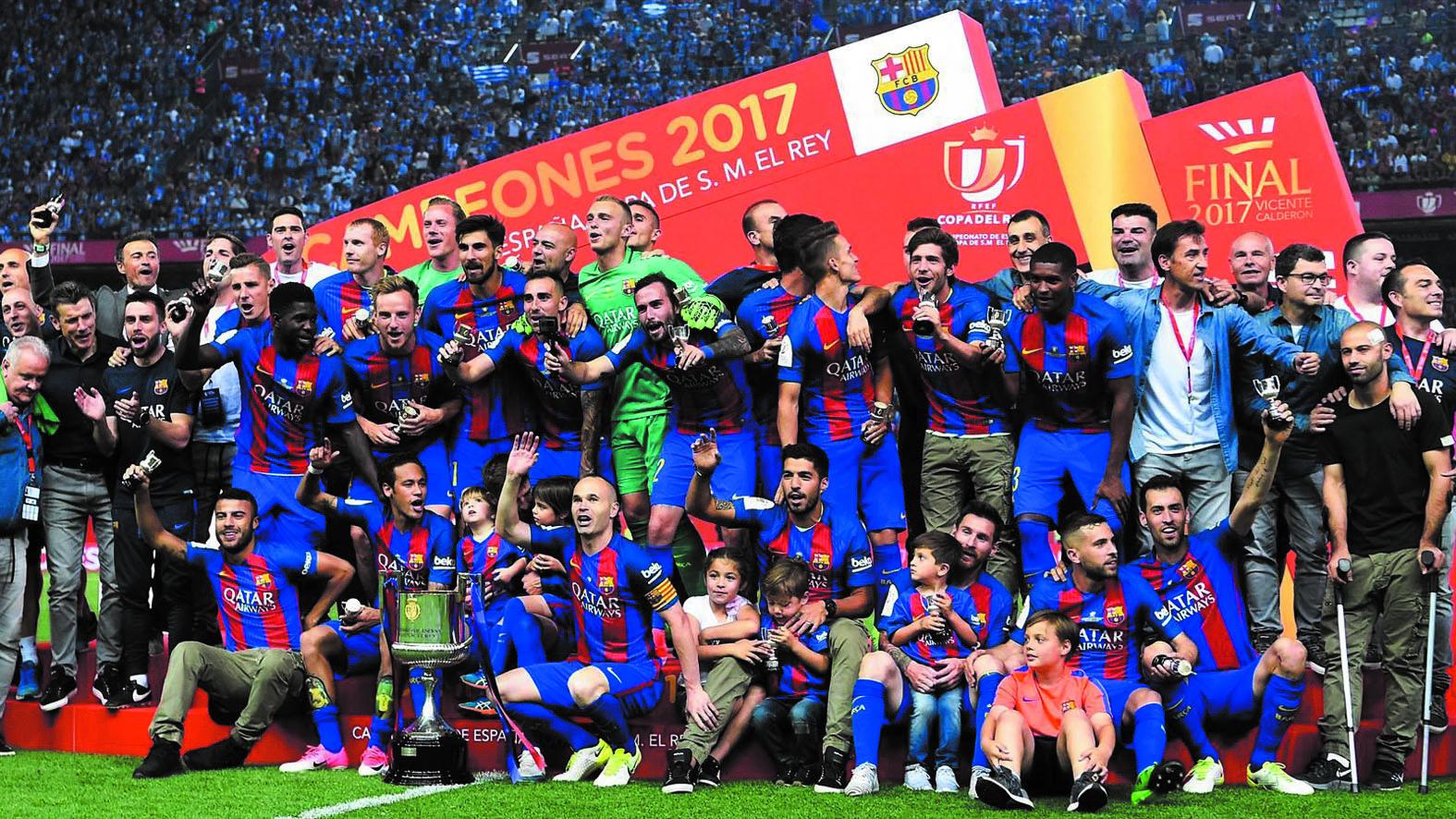 Barcelone, PSG  Dortmund et Arsenal lèvent la timbale de fin de saison à titre de consolation