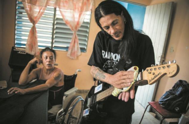 """Rock et sida, la vie du dernier """"friki"""" cubain qui s'est inoculé le VIH"""