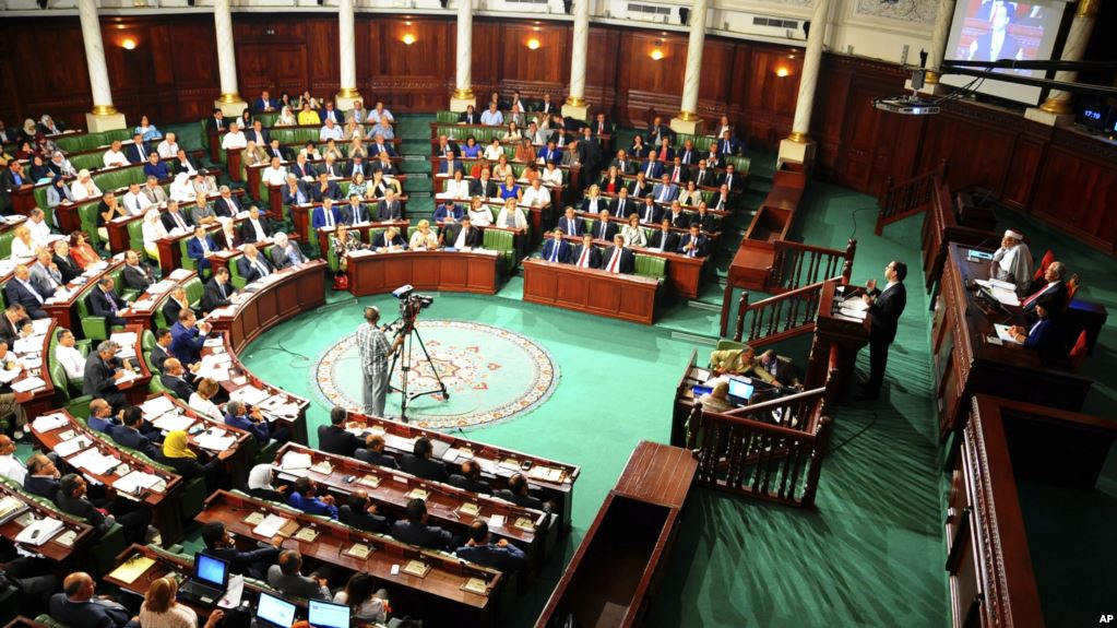 "La Tunisie  veut ""mettre en pièces"" la corruption"