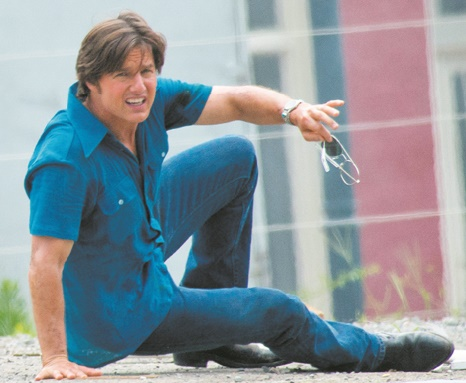 """Tom Cruise joue aux barons de la drogue dans """"American Made"""""""