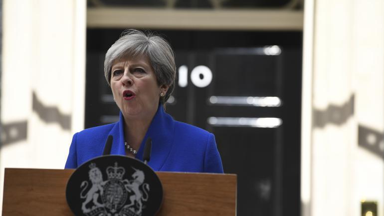 Theresa May toujours en quête de majorité