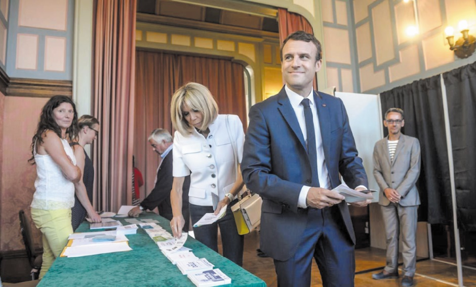 Macron en passe d'obtenir une large majorité à l'Assemblée