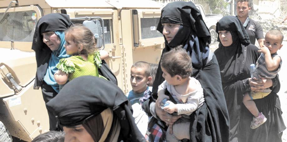 """100.000 civils retenus comme """"boucliers humains"""" par l'EI à Mossoul"""
