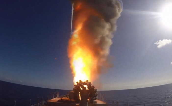Tirs de missiles russes depuis la Méditerranée sur l'EI en Syrie