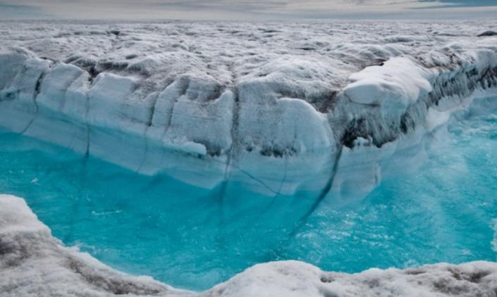 Des nuages accélèrent la fonte des glaces au Groenland