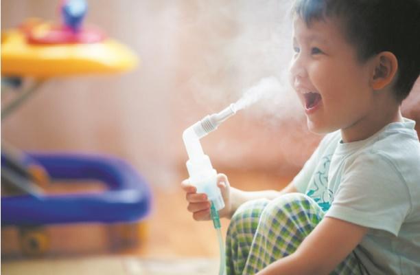 Donner les médicaments contre l'asthme à l'école est plus efficace qu'à la maison