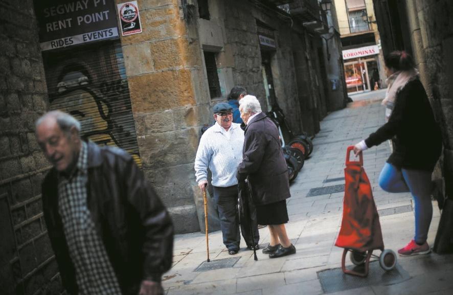 Adieu voisins, bonjour touristes : Le cri d'alarme des centres-villes en Europe