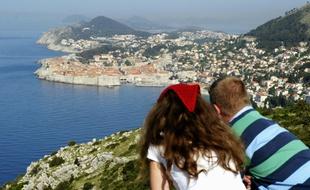 Insolite : Débauche de jeunes touristes