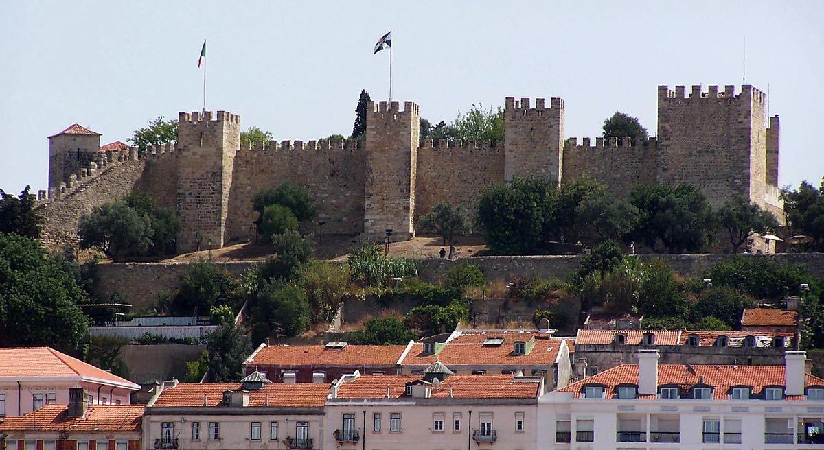 Le Château de Sao Jorge au Portugal, l'une des rares  fortifications islamiques qui résistent aux aléas du temps