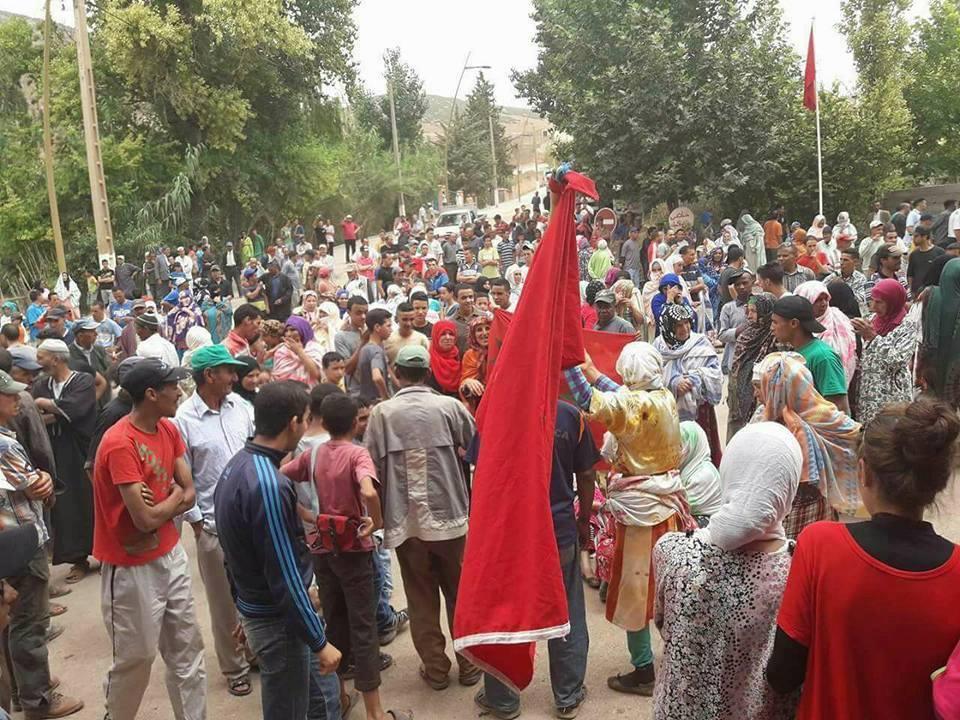 La pénurie d'eau potable provoque des manifestations  Le chef du gouvernement interpellé par les parlementaires