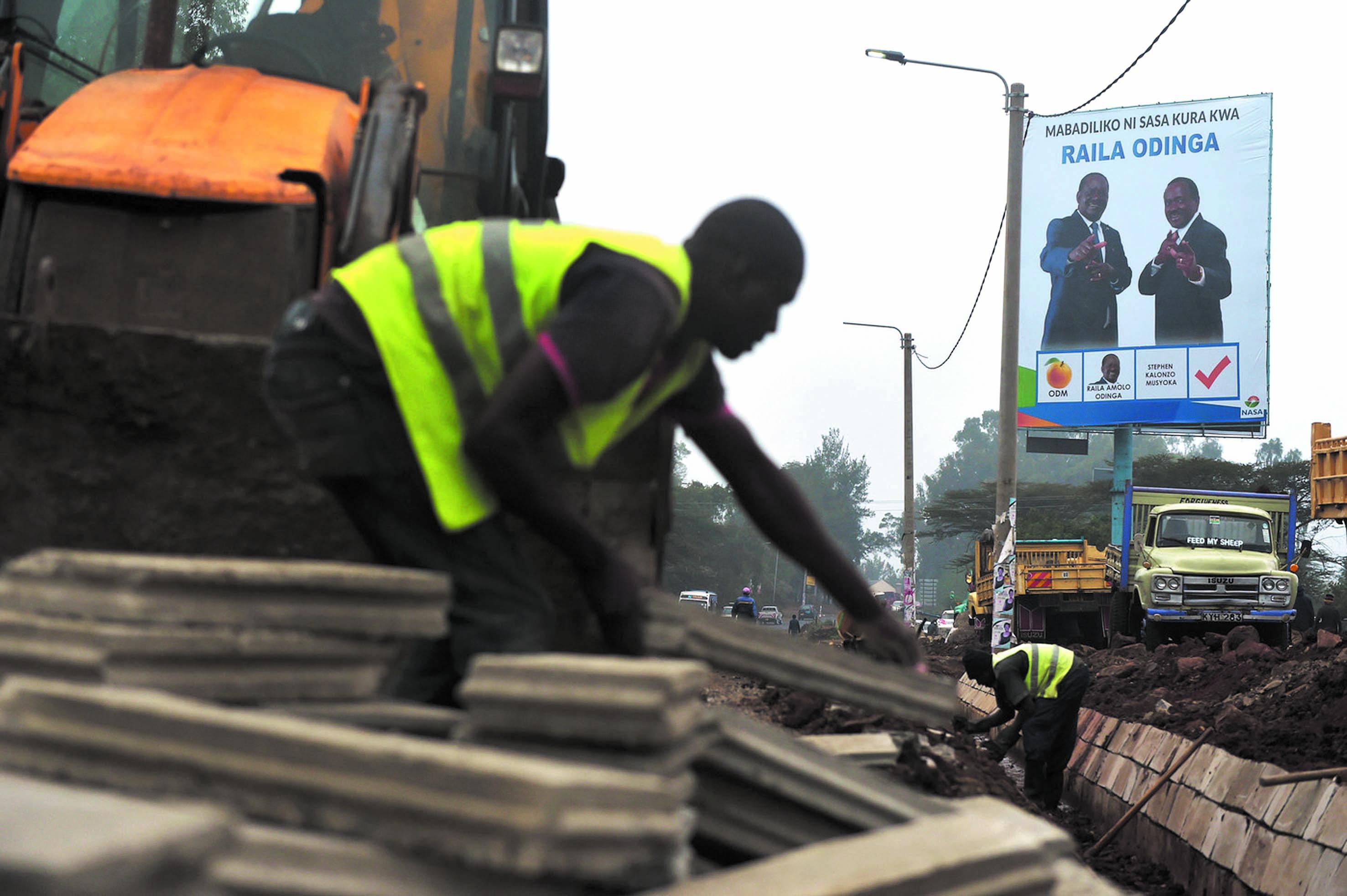 Un Kenya, sous tension, aux urnes mardi