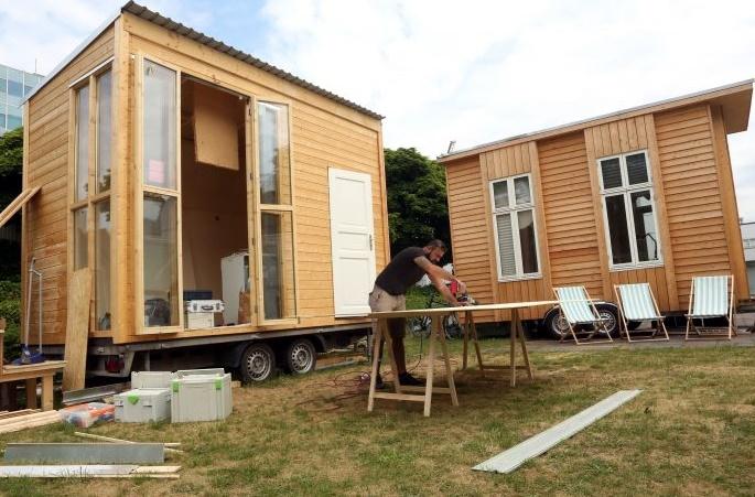 """Des """"mini-maisons"""" pour héberger des réfugiés à Berlin"""