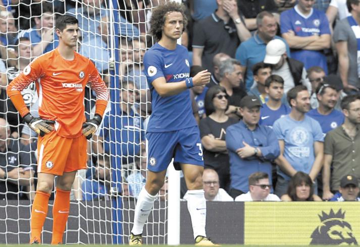 Chelsea  et Liverpool dans l'embarras d'entrée de jeu