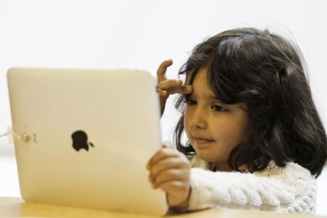 Les jeunes collés à leurs écrans pourraient sauver le Royaume-Uni
