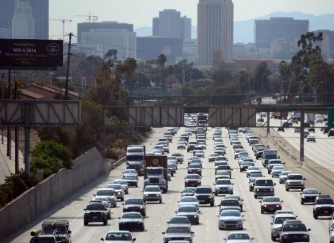 A Los Angeles, peindre les chaussées en blanc contre la chaleur