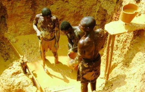 Le Ghana lance une lutte féroce contre les mines d'or illégales