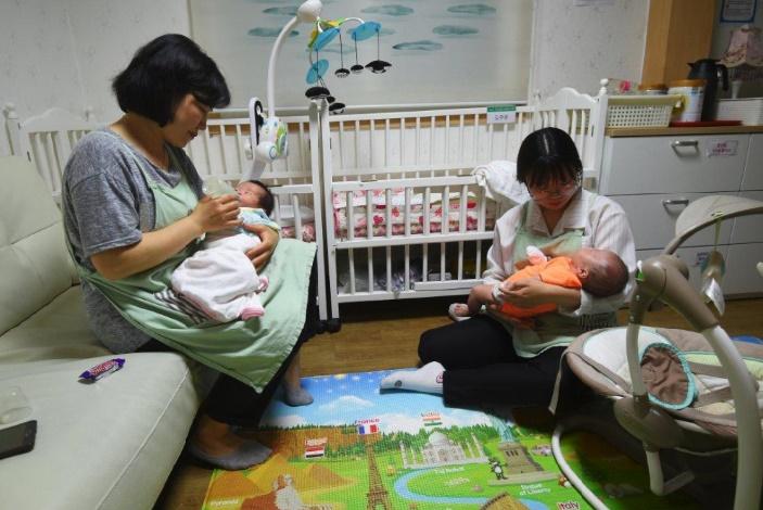 """Dans un mur de Séoul, une """"boîte"""" pour abandonner son bébé"""
