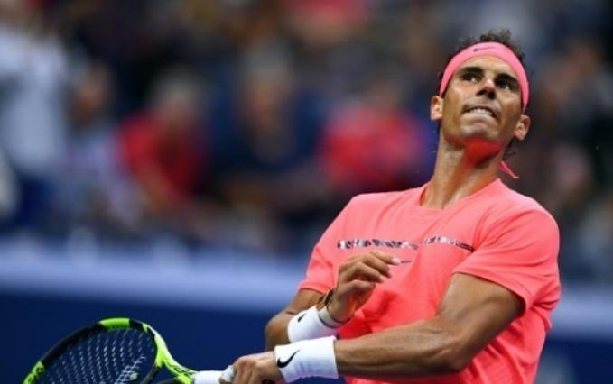 Nadal aimerait un public plus discipliné à l'US Open, Federer dans le brouillard