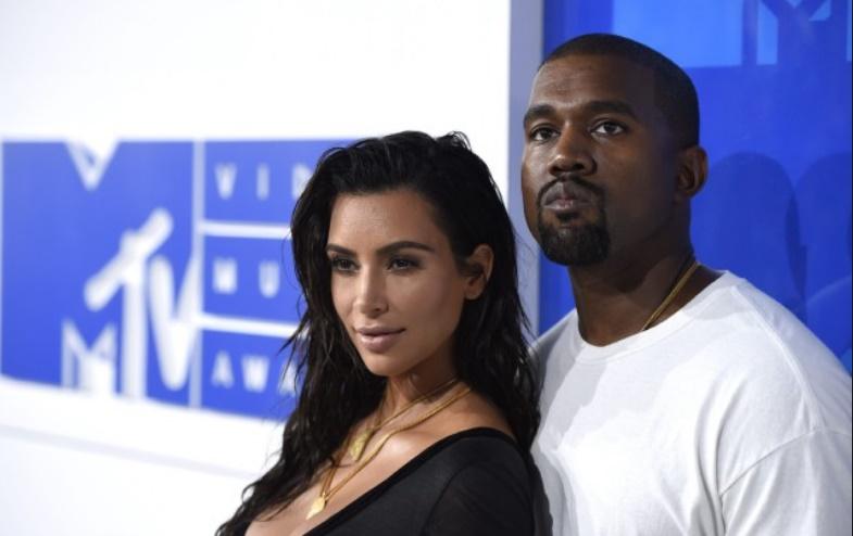 Kim Kardashian et Kanye West attendent un 3ème enfant, par mère porteuse